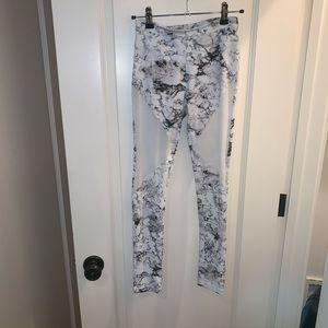 Marble mesh leggings